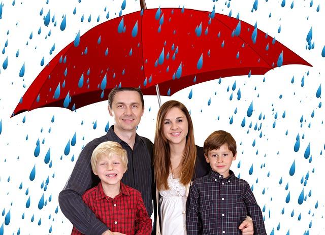 rodina pod deštníkem.jpg