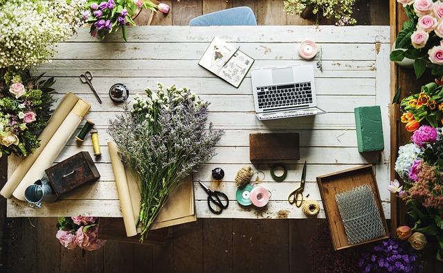 stůl květinářky